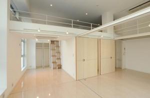 代々木,天井高と広いロフト空間を持つ快適なアーバンデザイナーズ【賃貸/SOHO可】