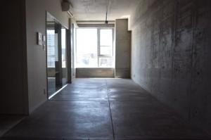 都会のリゾートを感じながら住まうハード&クールなオトコのデザイン空間【賃貸】