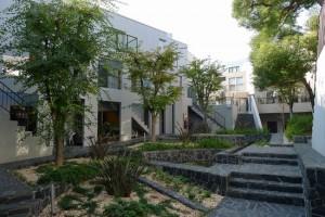代々木公園,贅沢な中庭のあるリノベーションされたメゾネット空間【賃貸/SOHO可】