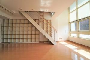 表参道,壁面収納が充実したハイクラスなデザイナーズメゾネット2LDKプラン【賃貸/SOHO可/オフィス可】