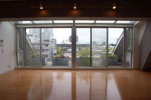 用賀,コンフォータブルデザイナーズの3面バルコニーのある広いメゾネット大空間【賃貸/SOHO可/オフィス可/ペット可】