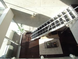 渋谷駅近く,都会派デザイナーズのオープンキッチンと大開口の有るメゾネットプラン【賃貸/SOHO】