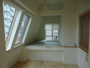 中目黒,和モダンな木造テラスハウスのメゾネット空間【賃貸】
