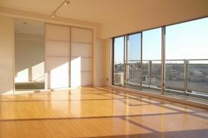 石川台,高台からの気持ち良い眺望を得られる充実のファミリー対応の3LDKリノベーション【賃貸/ペット可/楽器可】