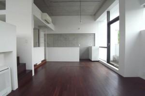 等々力,緑を眺める開口部を持つ洗練されたデザイン空間【賃貸/SOHO可】