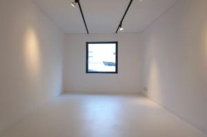 白金台,クリエイティブヴィレッジのギャラリーのような白い空間【賃貸/SOHO/オフィス/サロン/ペット】
