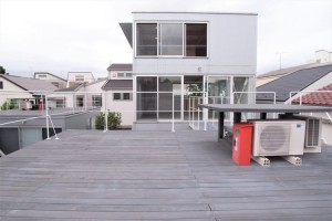 新井薬師前,大きなルーフバルコニーのある個性的なデザインメゾネット空間【賃貸/SOHO可】