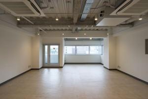 赤羽橋,使いやすい会議室と眺めの良いセットアップリノベの居抜きオフィス【賃貸/オフィス】